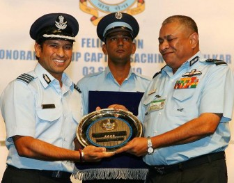Sachin-Tendulkar-at-iaf-ceremony-336x263.jpg